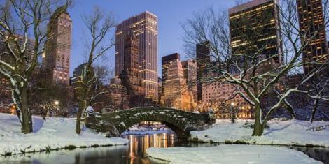 35804644_natale-new-york-con-bambini-selfie-con-santa-claus-0